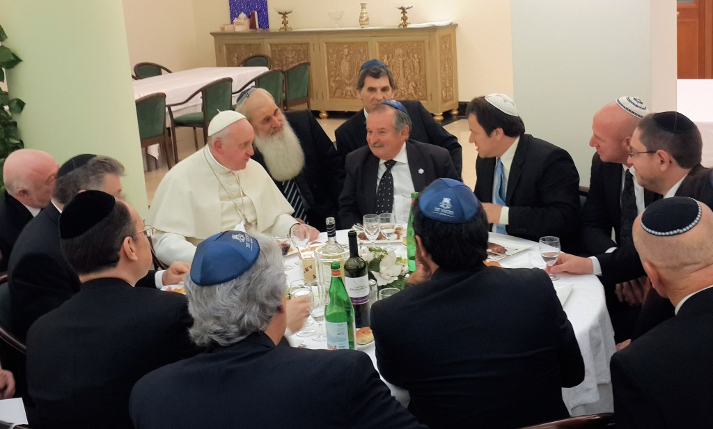 Pope with Argentine leaders at lunch
