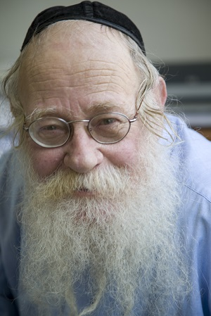 Rabbi Steinsaltz color- credit Caryl Englander-1.jpg