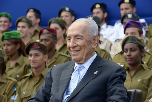 rsz_shimon_peres_yom_haatzmaut_2013_amos_ben_gershom_govt_press_office.jpg