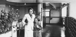 An old black and white photo of 8-year-old Ronnie Breslow and her mom