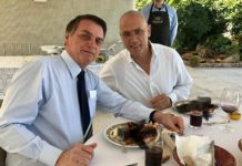 Ambassador Yossi Shelley with Brazilian President Bolsonaro in the doctored lobster photo