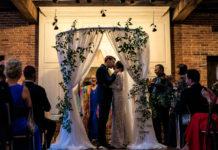 Rabbi Rayzel Raphael performing a wedding