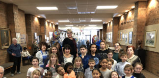 Shelley Geltzer with students