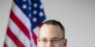 Everett Stern headshot